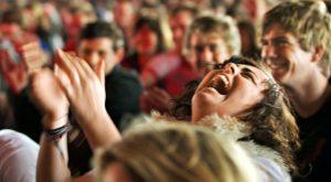 Știința râsului și de ce acesta are și o parte întunecată