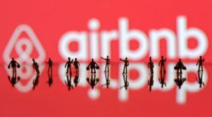 Airbnb a ajuns să penalizeze rasismul cu amenzi generoase