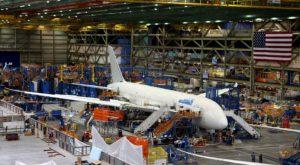 Cum arată fabrica Boeing, cea mai mare clădire din lume [GALERIE FOTO]