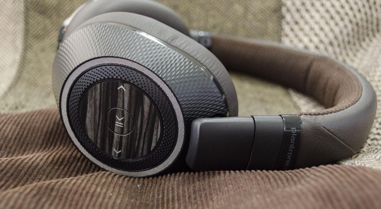 Căștile Plantronics BackBeat PRO 2 îți oferă calitate audio, dar și o autonomie greu de egalat [PLAYTEST]