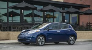 Nissan Leaf va fi o alternativă mai ieftină la Tesla Model 3