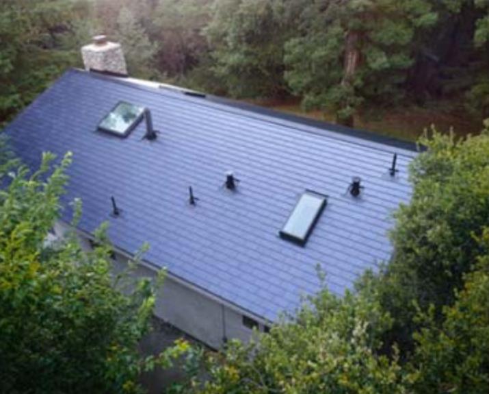 tesla acoperiș solar