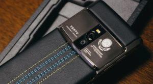 Vertu îți dă o ultimă șansă să-ți cumperi un telefon de lux la prețuri de nimic