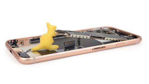 Apple are un robot care face iPhone bucăți în timp record