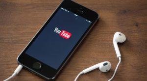 Cum asculți muzică pe YouTube cu ecranul închis pe iPhone