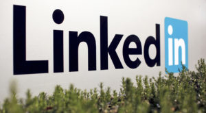 LinkedIn aduce transmisiile live ca să-ți arate și mai multe reclame