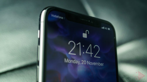 iPhone X a depășit iPhone 8 la cel mai important capitol