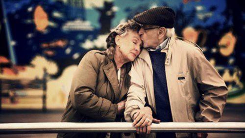 Oamenii de știință au aflat, în sfârșit, de ce se iubesc oamenii