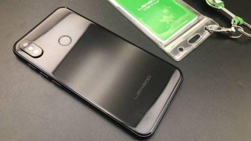 Prima clonă de iPhone X cu Android arată impecabil