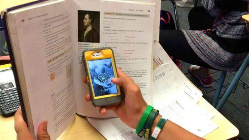 Țara europeană care va interzice telefoanele mobile în școli