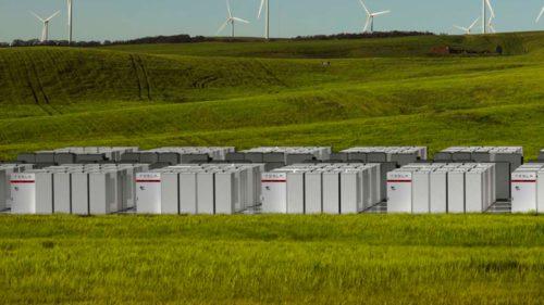 Bateria lui Elon Musk stabilește un nou record mondial