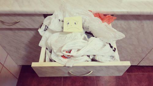 Când vor fi interzise pungile de plastic în România