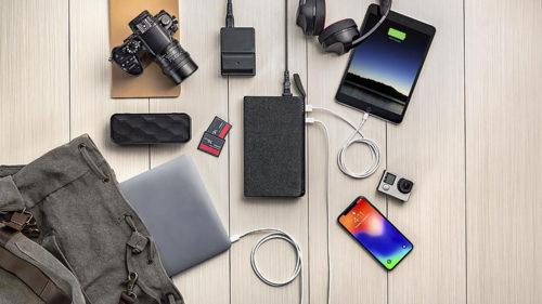 Cea mai mare baterie de la Mophie îți încarcă și telefonul, și laptopul
