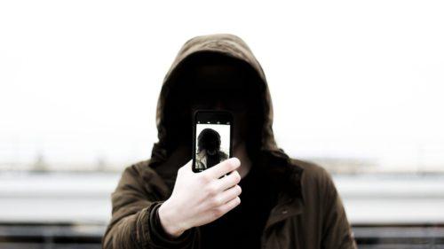 Gadgeturi de spionat pe care poți să le cumperi la liber în România