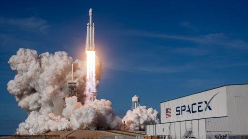 Elon Musk are concurență pentru cea mai puternică rachetă din lume