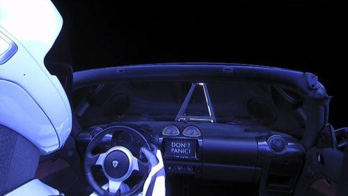Mașina Tesla trimisă de Elon Musk în spațiu a făcut mai mulți kilometri decât au drumurile pe Pământ