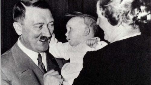Fiica adjunctului lui Hitler a murit și a fost îngropată în secret