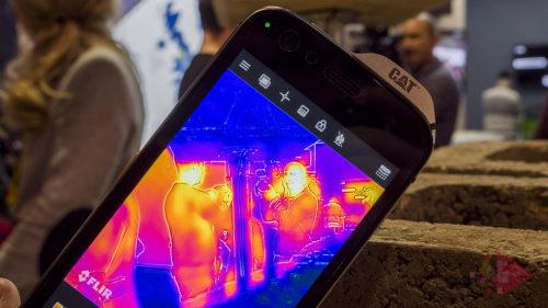 <span class='highlight-word'>MWC18</span> CAT S61, cel mai bun telefon cu cameră foto termică