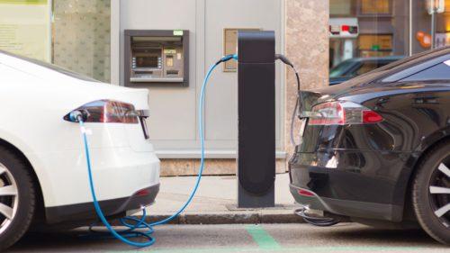 Cât vor investi giganții industriei auto în mașini electrice