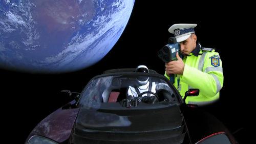 Meme cu mașina lui Elon Musk în spațiu sunt magia internetului