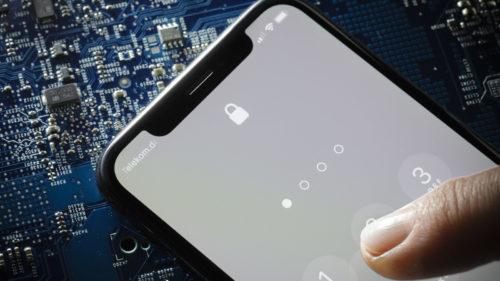 Codul sursă de la iPhone a ajuns online, iar Apple s-a panicat