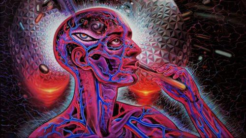 Dacă vezi extratereștri când consumi acest drog, cercetătorii vor să știe
