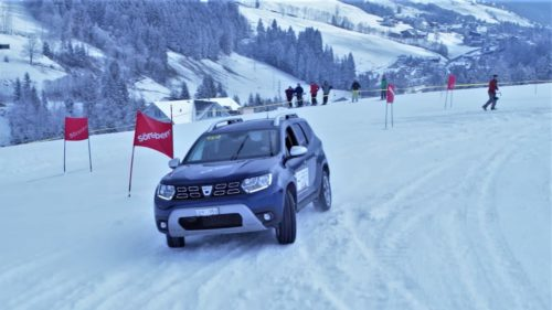 <span class='highlight-word'>VIDEO</span> Dacia Duster, performanță excepțională pe pârtie