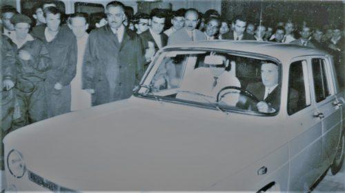 """De ce Dacia a copiat Renault. Ceaușescu: """"Prea luxoasă pentru idioți"""""""