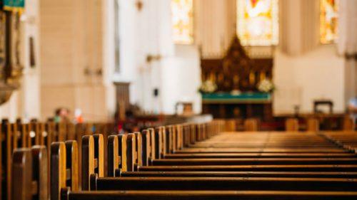 Bisericile care îți arată că lui Dumnezeu îi plac spațiile mici și viitorul