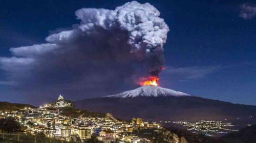 """Vulcanul Etna """"alunecă"""" spre mare anual, chiar dacă nu vezi asta"""