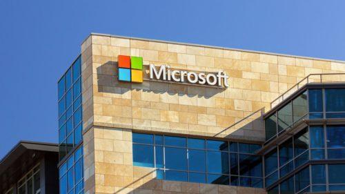 Microsoft investește bani grei în dezvoltarea inteligenței artificiale