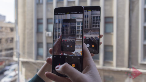 <span class='highlight-word'>VIDEO</span> Cum face Samsung mișto de iPhone în cea mai nouă reclamă