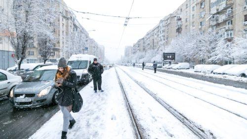 Vremea în București și România: cod portocaliu de ninsori puternice