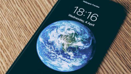 Omul care a pus Pământul pe iPhone: cum a creat imaginea iconică