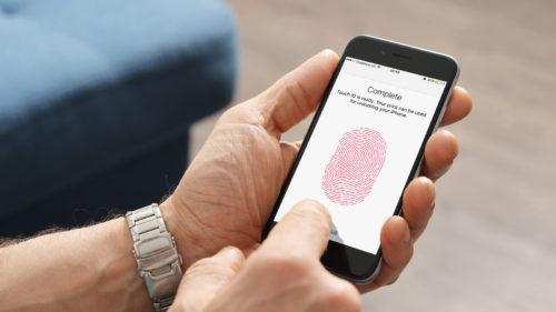 Poliția a încercat să deblocheze un iPhone cu degetul unui decedat