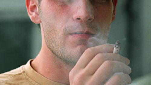 La cât timp scade riscul cancerului pulmonar când renunți la fumat