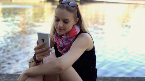 Câte telefoane (nu) se mai cumpără și cine domină piața
