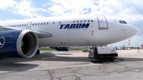 Măsuri speciale la Tarom din cauza pandemiei: un pilot, depistat pozitiv