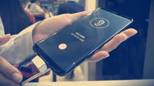 Samsung Galaxy S10 folosește acest truc ca să nu copieze iPhone X