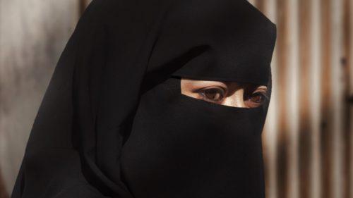 Cea mai nouă țară europeană care interzice purtarea vălului islamic