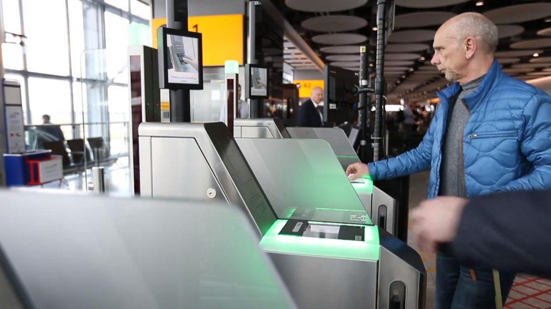 Țara care renunță la pașapoarte, că are o tehnologie mult mai bună acum