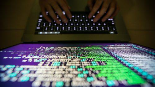 Hackerii bombardează site-urile de comerț pentru a-ți fura datele de logare