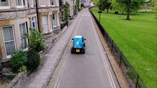Algoritmul care poate învăța o mașină să conducă singură în 20 de minute