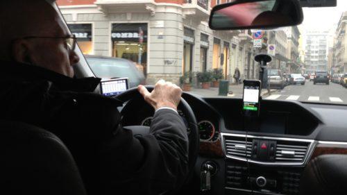 Bâlbâială pe legea Uber: de ce riscă șoferii amenzi uriașe de la 1 noiembrie
