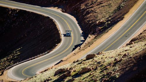 <span class='highlight-word'>VIDEO</span> Cursa făcută de Volkswagen la Pikes Peak a fost mai nebunească decât credeai