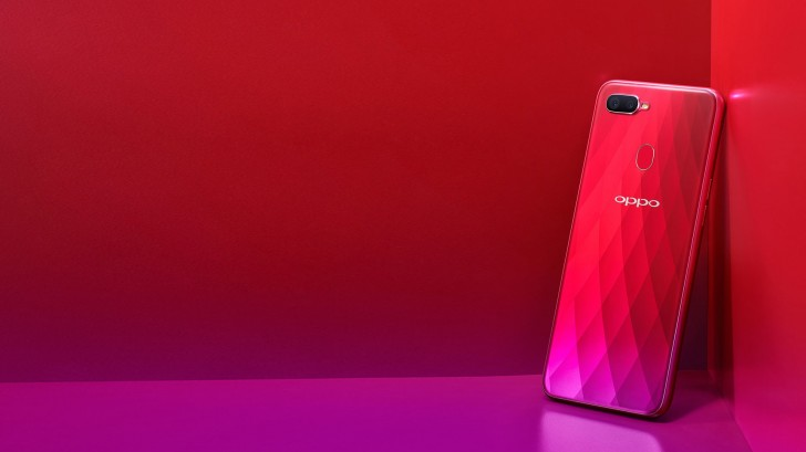 Oppo F9 Pro pic