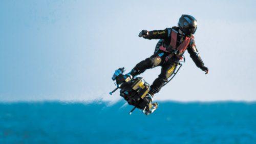 """Cel mai tare """"skateboard"""" cu care poți zbura și peste munți"""