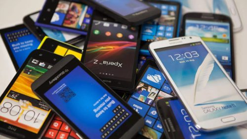 """Cinci modalități de """"reciclare"""" a telefonului pe care nu-l mai folosești"""