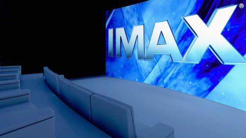 IMAX ajunge în confortul căminului: ce înseamnă cinematograf la tine acasă