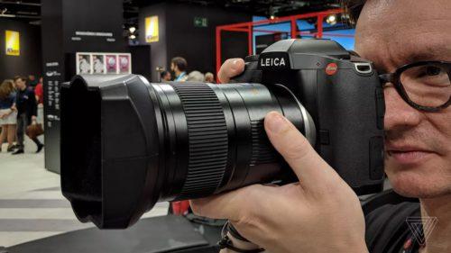 Leica S3 duce ideea de aparat foto scump la un cu totul alt nivel